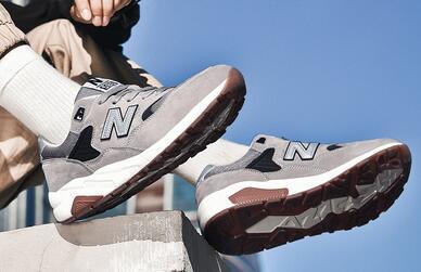 时尚精品运动鞋网店代理 货源稳定 一件代发