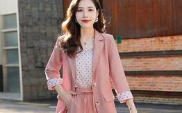 杭州实力厂家女装批发,保证厂家一手微商货源,长期供货