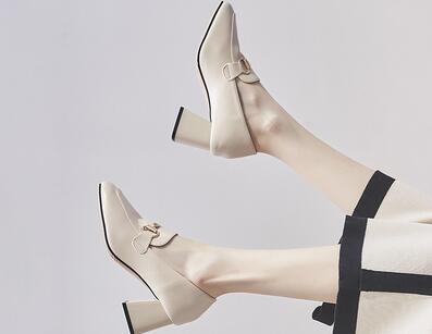时尚女鞋批发不收代理费 女鞋厂家直销 自设仓库
