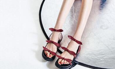 广州本地档口女鞋货源,各大品牌一比一精品女鞋批发