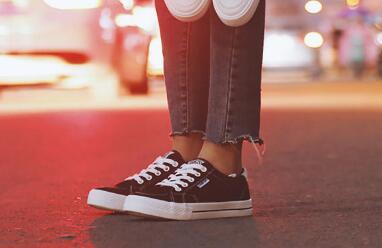 莆田运动鞋厂家直销,时尚百搭单品,运动鞋批发