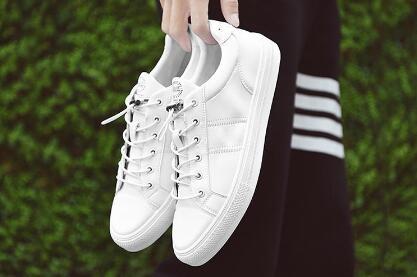 广州地摊鞋子批发市场,终端工厂鞋子货源,支持货到付款