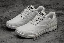 科普下哪里有库存运动鞋货源-运动鞋厂家批发价多少