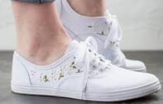 普及下做微商如何找到童鞋批发一手货源