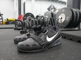 广州大牌运动鞋货源-微信朋友圈每日上新-代理欢迎加入