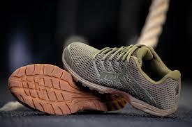 高档1比1奢侈品男士鞋子批发点-厂家招微信代理