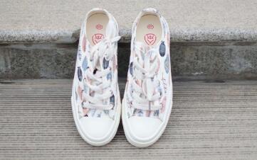 奢侈品时尚鞋子工厂直销招全网微商代理