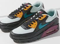 分享一个福建莆田市男女运动鞋最便宜批发厂家