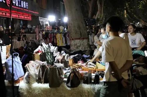 在农村,春节摆地摊卖点什么好?