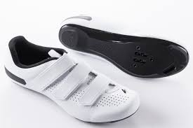 最好的莆田鞋子微商代理商家,代销可靠吗