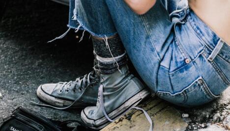 揭秘一下品牌运动鞋批发货源在哪里?
