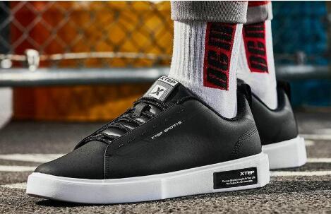 大牌高品质运动鞋主打精品,一手货源批发,长期供货
