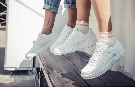 海外品牌鞋子一手货源,专业批发档口直接供货