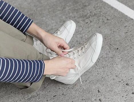 微商运动鞋厂家货源,运动鞋批发一件代发