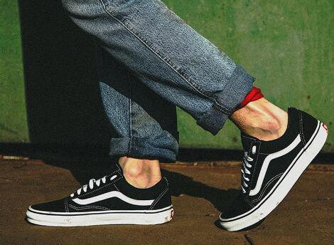 东莞本地档口一手运动鞋货源,运动鞋批发,专柜放货