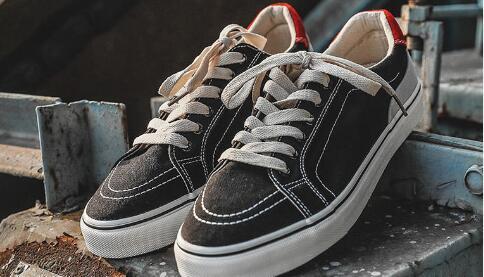 东莞潮牌AJ运动鞋批发 厂家运动鞋货源 全场包邮