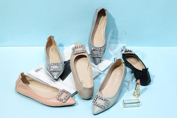 潮流女鞋批发,自有工厂女鞋货源,超低价保质量