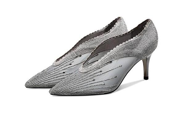 广州时尚女鞋一手货源厂家直销,一手价格,高端质感十足