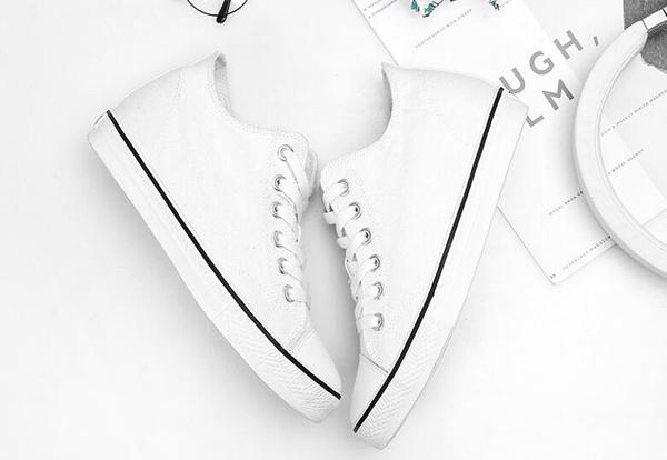 奢侈品牌鞋子货源,工厂长期供货鞋子批发,买贵就退