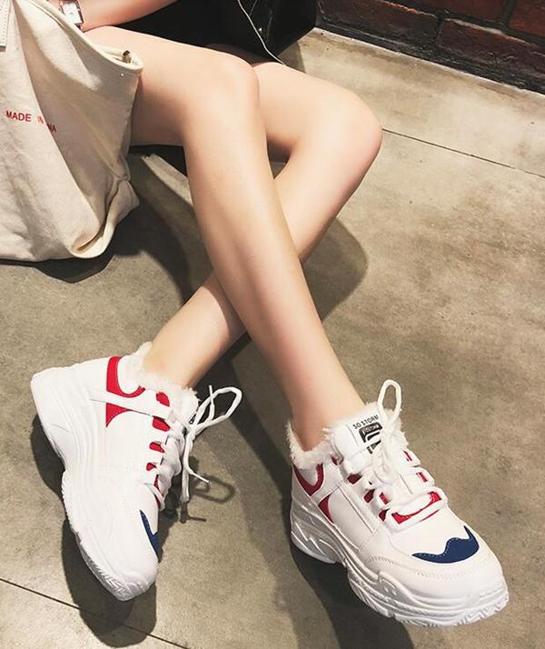 广州档口批发一手货源,各种品牌运动鞋货源,美观百搭