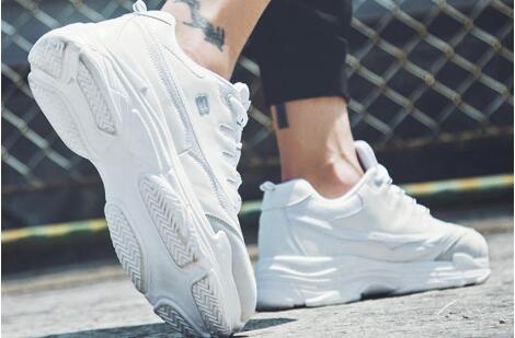 莆田档口品牌外贸运动鞋批发,运动鞋货源,主打经典品质
