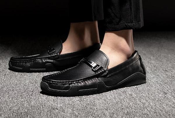 海外新款运动男鞋货源一件代发,专柜同步,主营批发业务