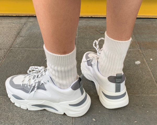 最新款鞋子批发,莆田鞋工厂直销,一手货源