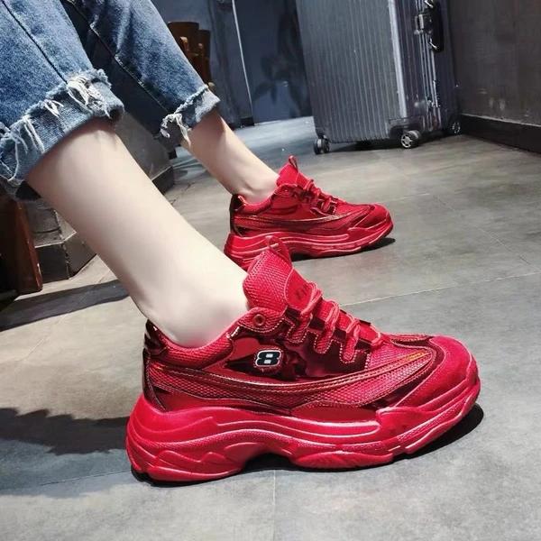微商卖的鞋子一手货源在哪里找的