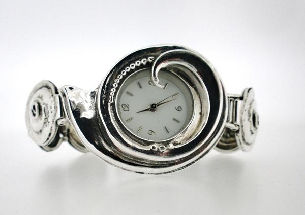 爆款品牌手表一比一一手货源一件代发,保修包邮!