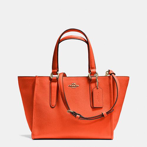 高端包包实体店实力供货,工厂货源,价格优惠