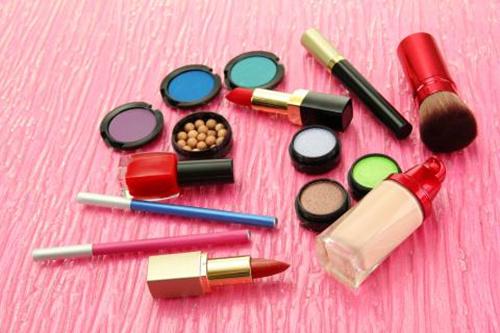 世界品牌化妆品接收验货,一手货源,最低价零售