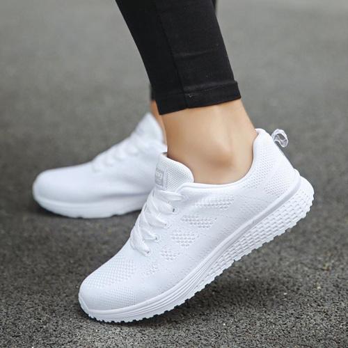 最新款男女运动鞋工厂 一手货源 微店微商一件代发