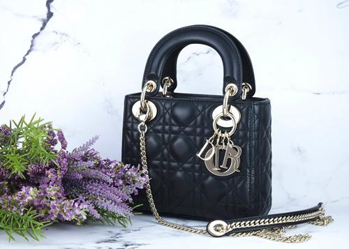 广州专业精选品牌男女包包厂家直销,优质产品