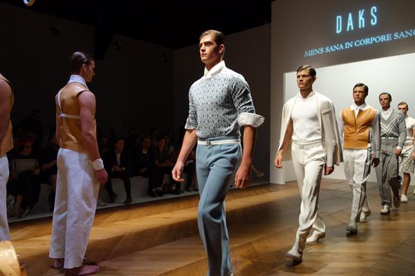 潮牌货源品牌衣服一件代发,招代理