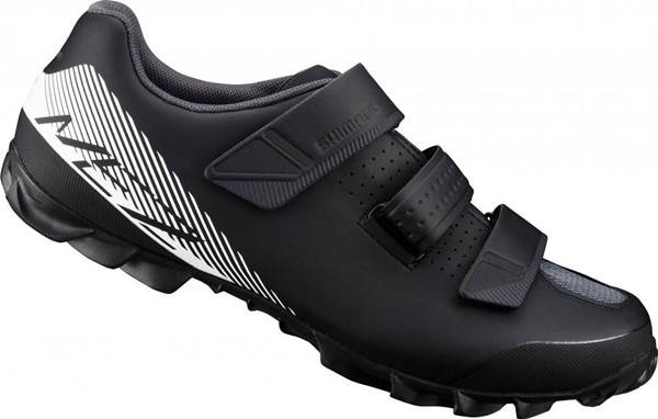 鞋子厂家批发男女鞋一手货源,正品打版,供实体销售