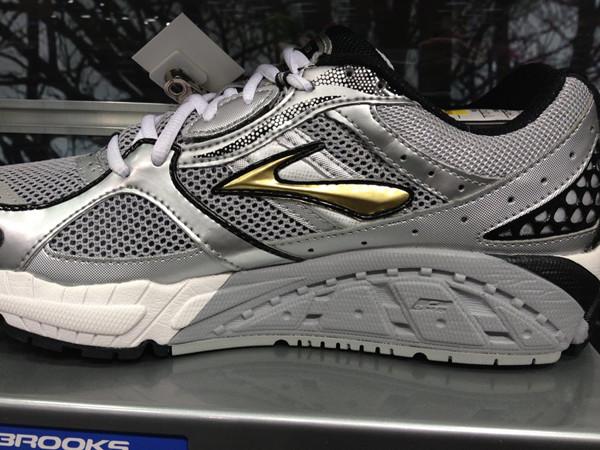 温州女鞋批发代理-经典时尚-厂家直销跑量